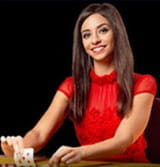 Monica este live dealer la Sportingbet