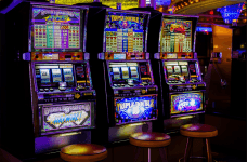Aparate de tip slot-machines