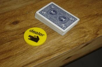 Cum să devii dealer de poker?